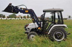 440x440-traktor-skaut-t-254s-s-frontalnym-pogruzchikom-fel-250_1597061765.979