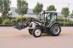 traktor-skaut-tb-804s-s-frontalnym-pogruzchikom-fel-800ks_1597061922