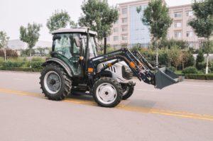 traktor-skaut-tb-804s-s-frontalnym-pogruzchikom-fel-800ks_1597061925